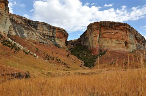 File:Golden Gate Highlands National Park, South Africa ...