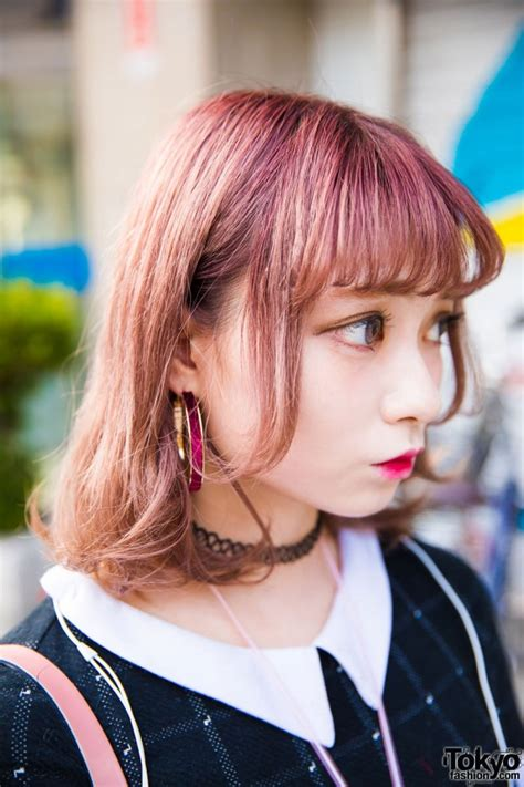 harajuku girl  pink hair  peter pan dress spinns