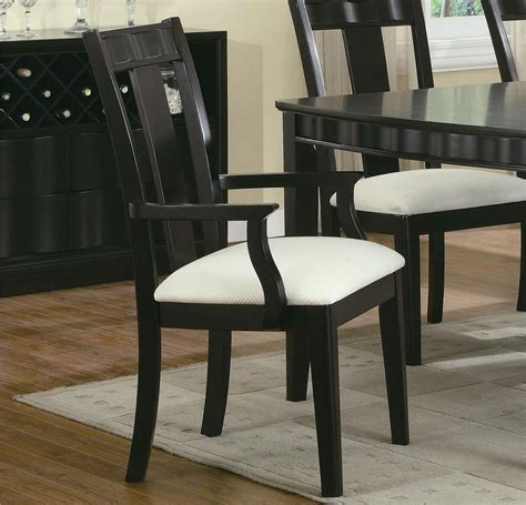 casual dining wave dining room set  coaster