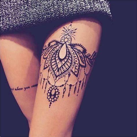 tatouage fin  de cuisse femme tatouage de femme des