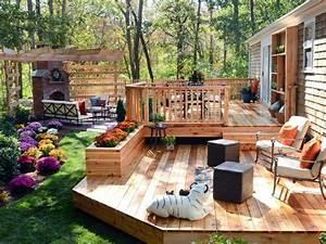 25 best ideas about two level deck on pinterest With beautiful amenagement petit jardin zen 0 jardin zen de meditation dans une cour de banlieue