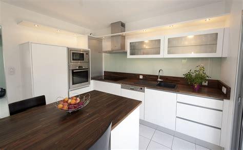 cuisine noir plan de travail bois ophrey com cuisine moderne noir laque prélèvement d