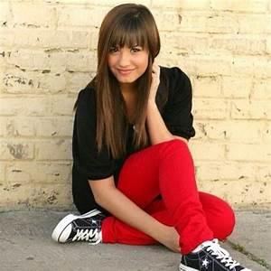 Demi Lovato with straight hair/bangs. | Hair | Pinterest ...