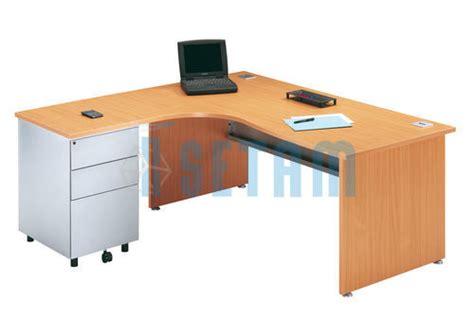 bureau avec angle bureau angle avec retour à gauche et caisson gamme primo hêtre