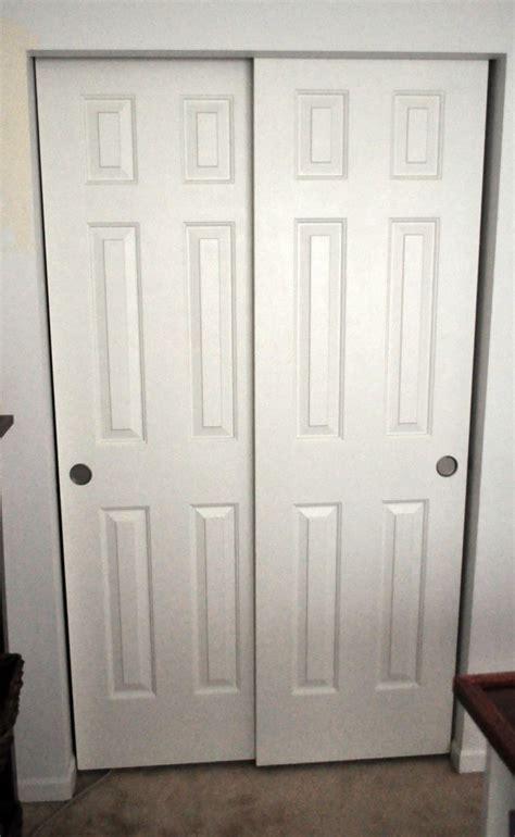 bedroom closet door bypass bedroom closet doors roselawnlutheran
