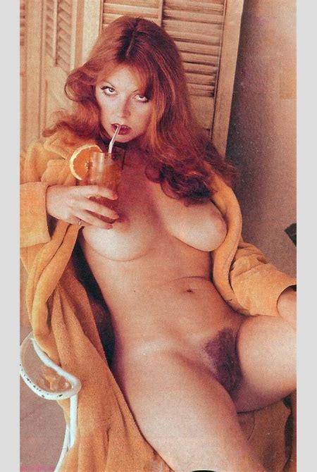 Elvira Nude - See Cassandra Peterson Naked Right Here! (39 PICS)