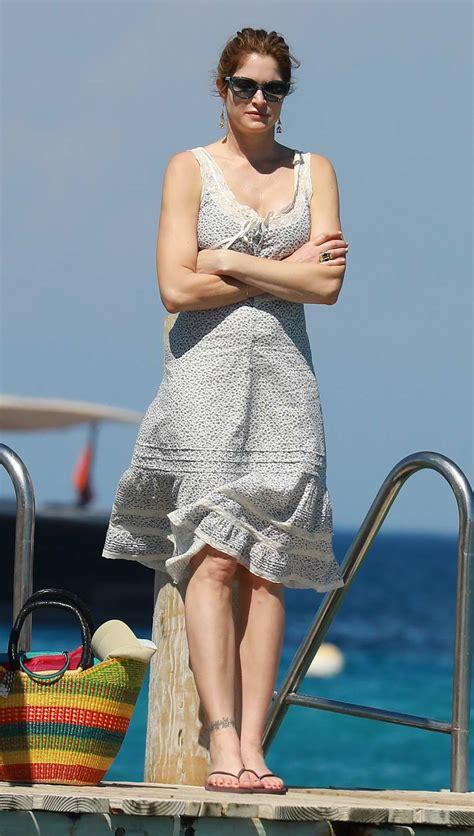stephanie seymour  husband leaving club  beach post