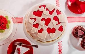 Kuchen Dekorieren Geburtstag : tipp dekorieren mit rotem und gr nem dekor marzipan von dr oetker youtube ~ Pilothousefishingboats.com Haus und Dekorationen