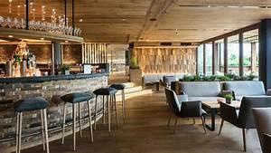 Cafe Bar Zuhause : holz ist berall zuhause m bel aus nachhaltigem holz ~ Watch28wear.com Haus und Dekorationen