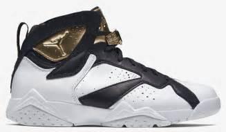 Air Jordan 7 Retro White Black Gold