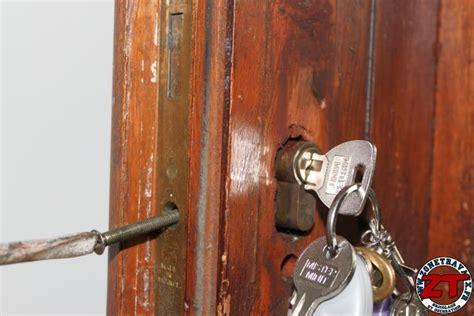 changer entretenir votre serrure de porte