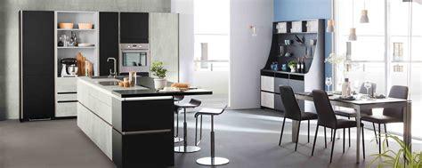 formation cuisine guadeloupe cuisine moderne grise béton design en îlot ambiance fabrik