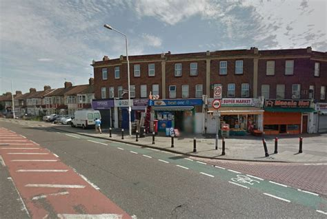 ilford double stabbing  men knifed  attack
