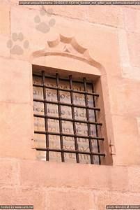 Fenster Mit Gitter : fenster mit gitter aus schmiedeeisen barri g tic de barcelona m rz 2010 ~ Sanjose-hotels-ca.com Haus und Dekorationen