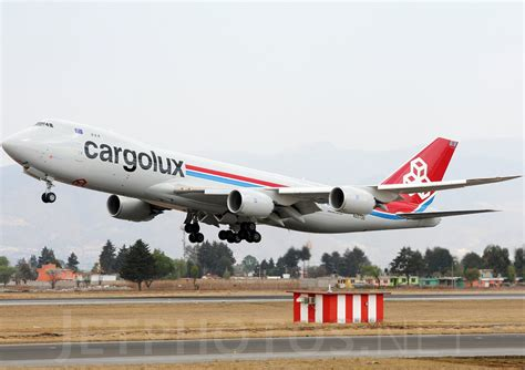 File:Boeing 747-8R7F, Cargolux Airlines International JP7073559.jpg - Wikimedia Commons
