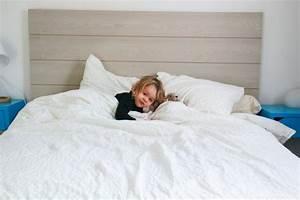 tete de lit en latte de parquet chambre pinterest With latte de parquet