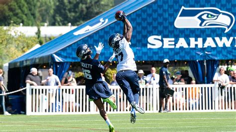 observations  day   seahawks  training camp