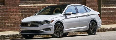 What Features Does The 2019 Vw Jetta Sel Premium Offer?