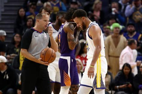 Warriors woe as Curry suffers broken hand