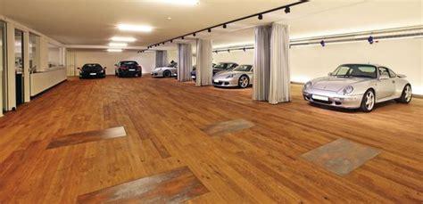 Villa Mit Tiefgarage by Parkett In Der Garage Edle Und Exklusive Sportwagen