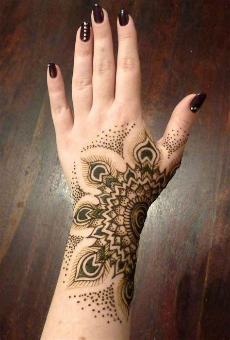 simple wrist henna tattoos