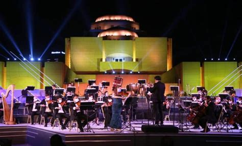 Cairo Symphony Orchestra plays with face masks at Cairo