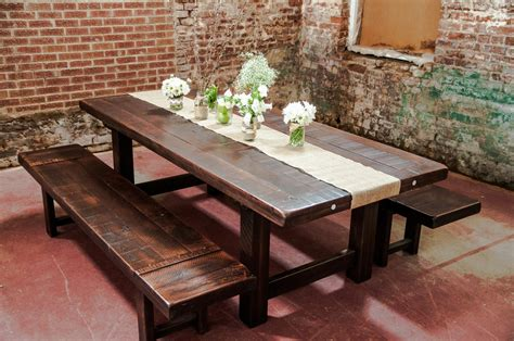 Rustic Farmhouse Dining Room Design With Reclaimed Wood