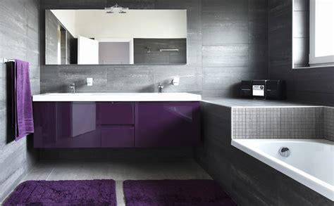 badkamermeubel verven badkamer verven in plaats het opnieuw betegelen