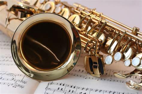 Saksofona spēle / Programmas
