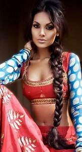 35 Simple And Trending Hairstyles with Sarees 2018 Side braid hairstyles, Indian outfits and