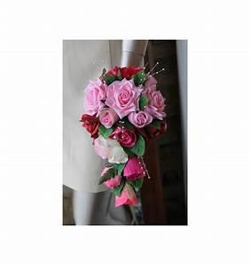 Bouquet De La Mariée : bouquet de mari e tombant fait avec des roses feuilles et ~ Melissatoandfro.com Idées de Décoration