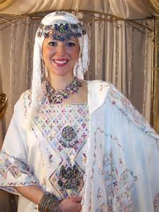 robe kabyle mariage 1000 images about clothes tenues kabyles on dress 39 s fashion and