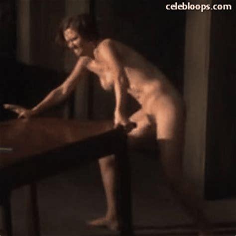 Gyllenhaal nackt Maggie  Nackte Maggie