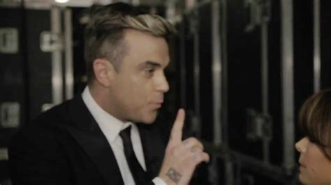 So You Think You Can Wardrobe Malfunction by Omg Robbie Williams Has A Wardrobe Malfunction So You