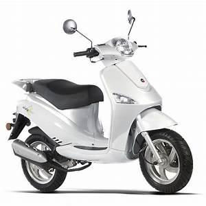 A Quel Age Peut On Conduire Une Moto 50cc : permis de scooter prix moto plein phare ~ Medecine-chirurgie-esthetiques.com Avis de Voitures