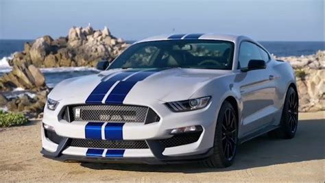 ford mustang gt review price specs performance