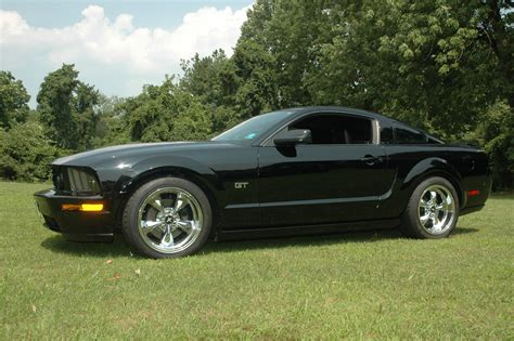 ford mustang gt coupe automatic  mile trap speeds