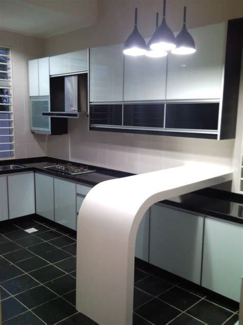 kabinet dapur warna hitam putih desainrumahidcom