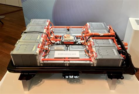 nissans  kwh  mile battery pack
