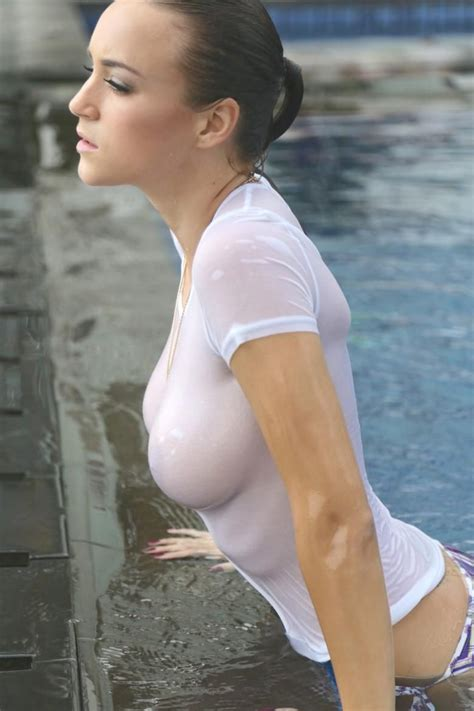 Rosie Jones Wet T Shirt Photoshoot 23 Pics Wet