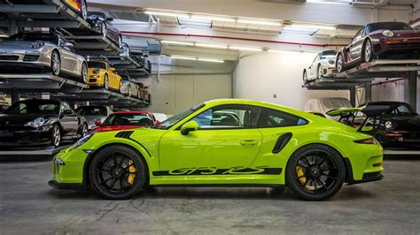 Porsche Gt3 Rs Green by This Is A Lairy Green 911 Gt3 Rs With Those Decals Top Gear