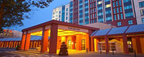 Disney's Hotel New York  Disneyland Paris Hotels