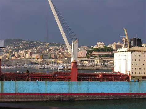 port de gnes italie 28 images le port dans la ville de g 234 nes italie photo 233 ditorial