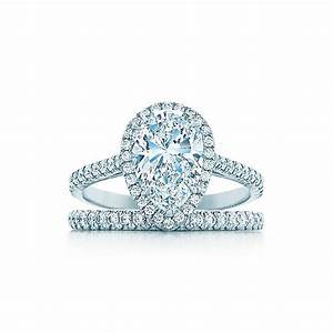 Tiffany Ring Verlobung : tiffany soleste pear shape halo engagement ring with diamond band in platinum tiffany ~ A.2002-acura-tl-radio.info Haus und Dekorationen