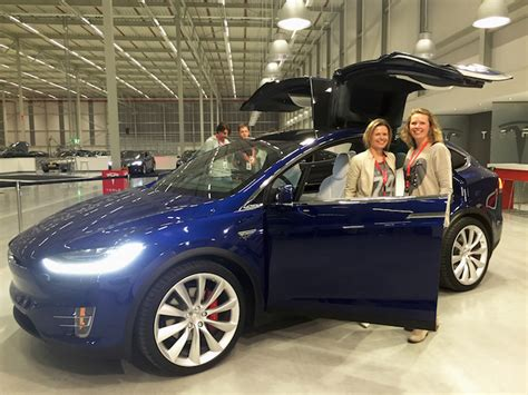 Download Tesla 3 Prijs Nederland Gif