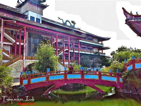 destinasi keindahan wisata populer klenteng kwan sing bio
