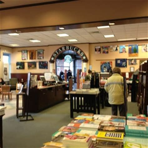 barnes and noble worcester barnes noble 27 photos 32 reviews bookstores 1