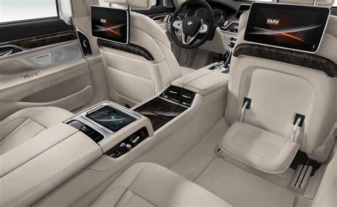 Bmw 750i Interior by Bmw 7 Series Sedan The Bmw 750i Xdrive Rear Executive