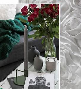 Wohnzimmer Deko Grau : wohnzimmer einrichtung lila gruen weiss deko vasen grau kerzenstaender blumenkissen lavie deboite ~ Markanthonyermac.com Haus und Dekorationen
