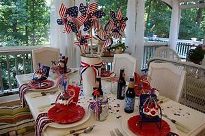 Get inspired take a look at these 8 patriotic outdoor for Simple table decoration ideas for great celebrations